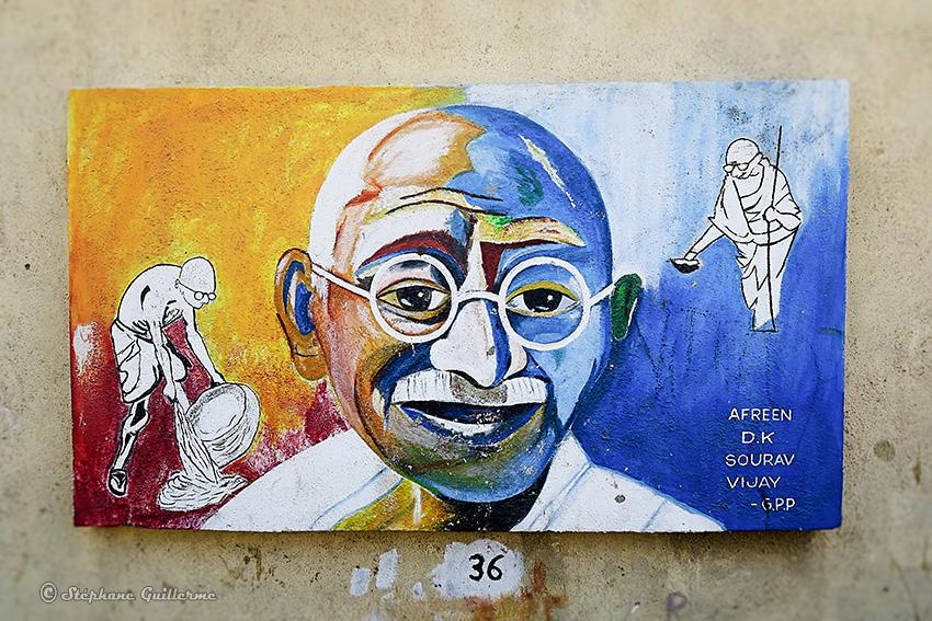 IMG_3756 Peintures murales scolaires Gandhi Porbandar Small.jpg