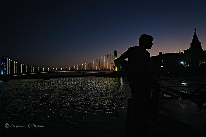 IMG_4290 Pont et silhouette de nuit Dwarka Small.jpg