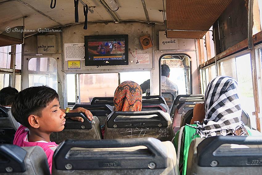 IMG_4169 En bus pour Okha Small.jpg