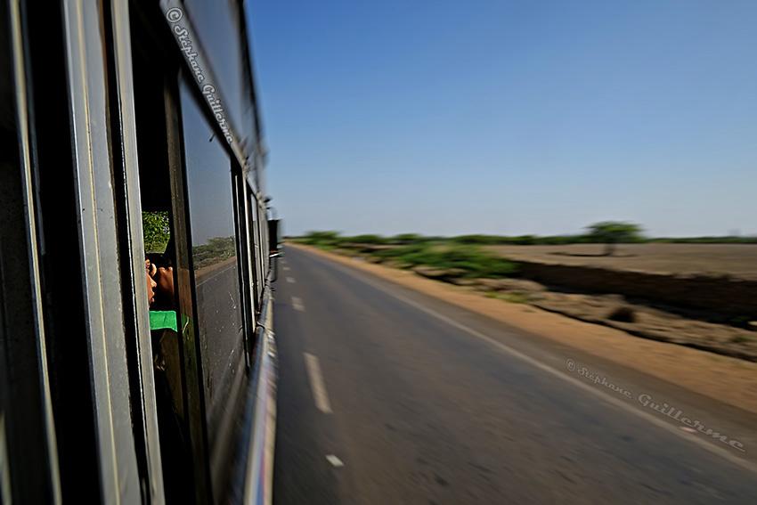 IMG_4178 En bus pour Okha Small.jpg