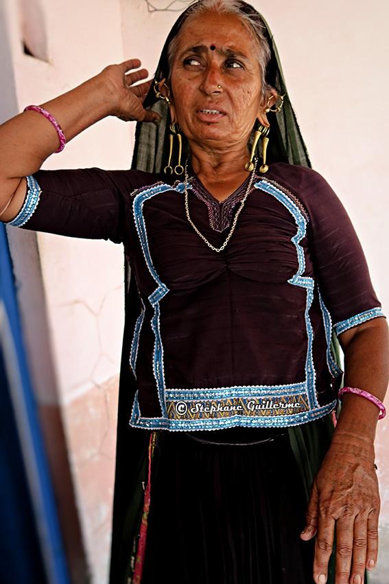IMG_5286 Tattoo femme Rabari Vers Bhuj Small.jpg