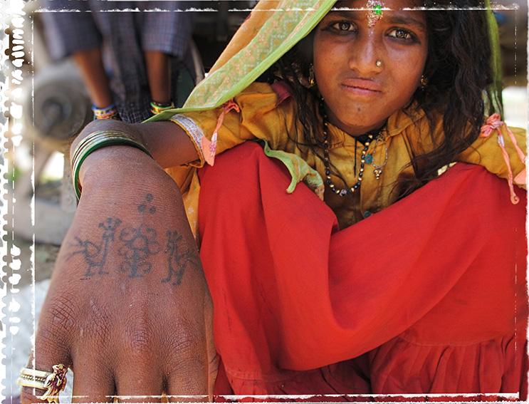 Blog 30x40 cms Tattoo Tribal TT 09  fillette Rajput Delwara.jpg