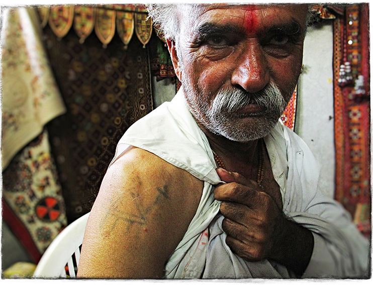 Blog 30x40 cms Tattoo Tribal TT 13 Rabari man - near Bhuj.jpg