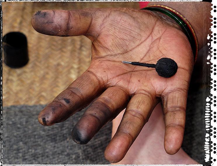 Blog 30x40 cms Tattoo Tribal TT 30 Aiguilles Badi lady Madhya Pradesh.jpg