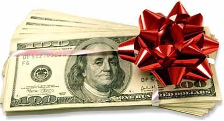 liasse de billets avec noeud cadeau
