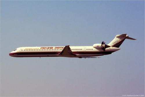 MD-81_N980DC_GE36_UDF_815.jpg