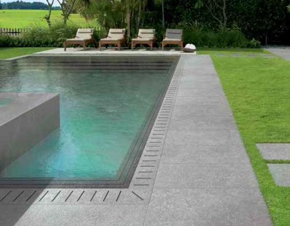 prix piscine miroir prix volet de piscine immerg ou couverture en fond de bassin piscine d. Black Bedroom Furniture Sets. Home Design Ideas
