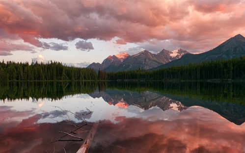 Canada - le parc national Banff Rocheuses Herbert lac.jpg