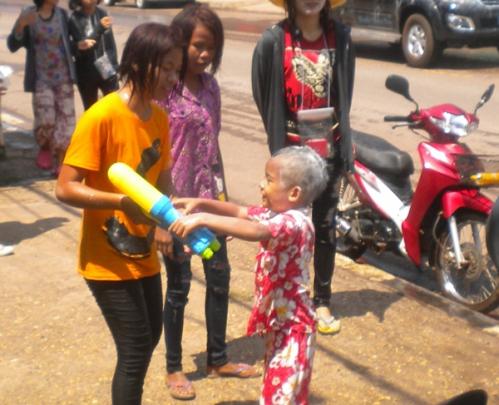 A Songkran 2015 (3).JPG