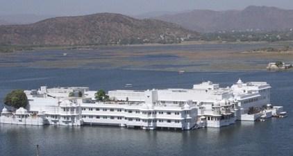 udaipur-Jag-Niwas.jpg