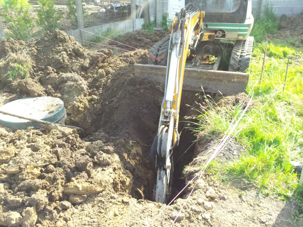D but du terrasement et pose du puits canadien maison - Tuyau pour puit canadien ...