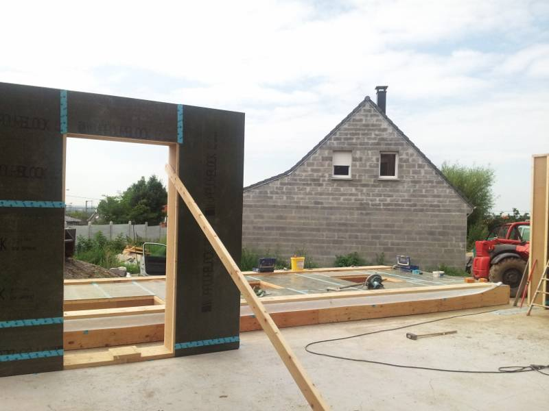 Montage du mur sud 1 re partie maison passive dans le for Baie vitree 6 metres