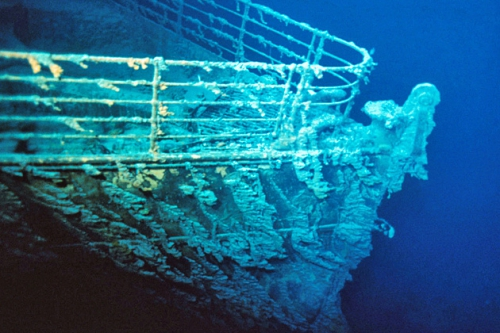 4.  av titanic.jpg