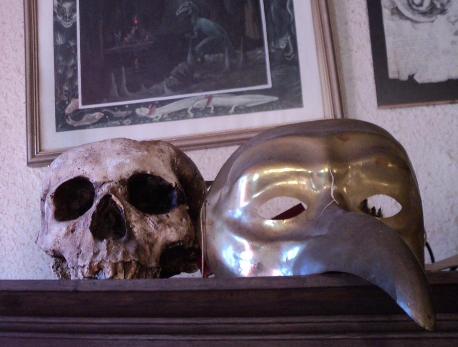 SkullMask.JPG
