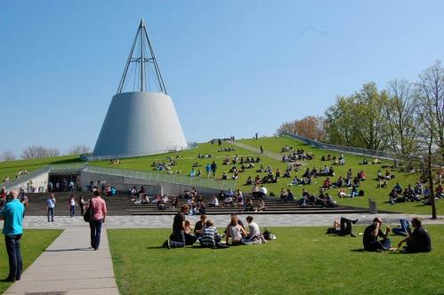 Delft-University-of-Technology.jpg