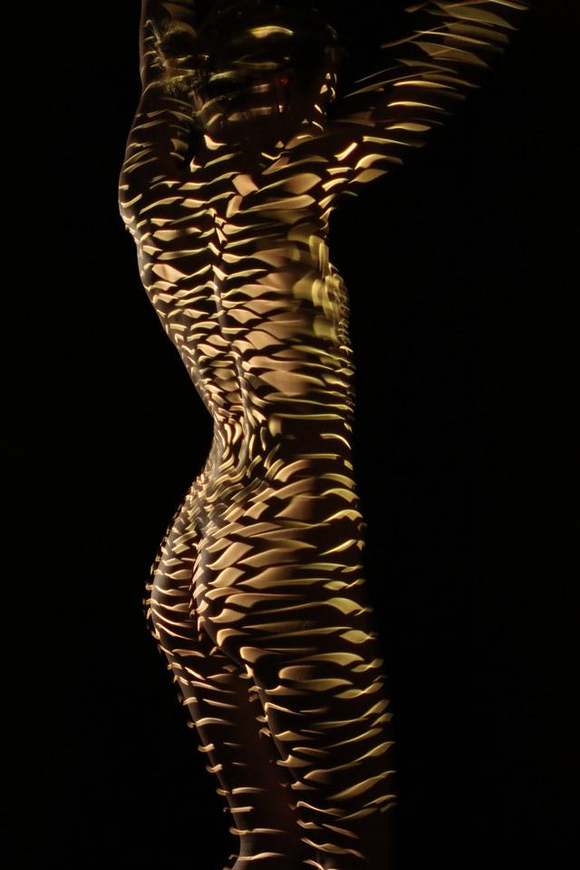 Desnuda frente a la ciudad - 3 2