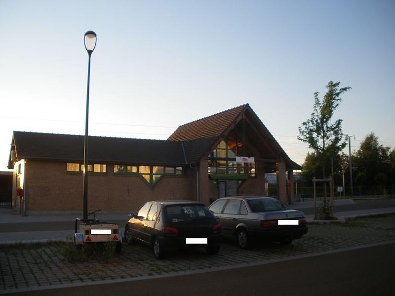 800px-Gare_de_Croix_-_Wasquehal.jpg