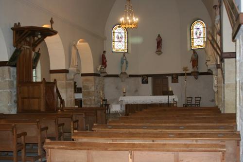 Pouillon église 001 réd.jpg