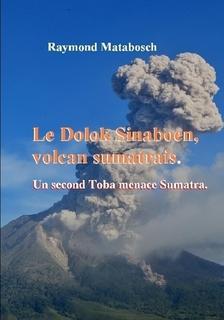 Le Dolok Sinaboen volcan sumatrais..jpg