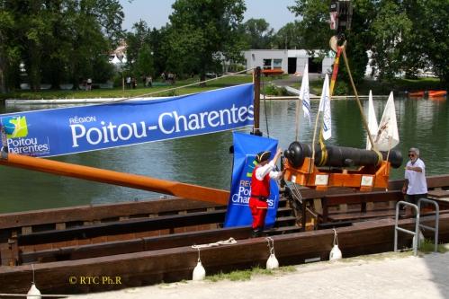 003 - embarquement  du canon sur La Renaissance.jpeg