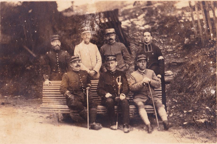 Albert Boisard (à droite) à torgaü copyright Les Productions du EFFA.png