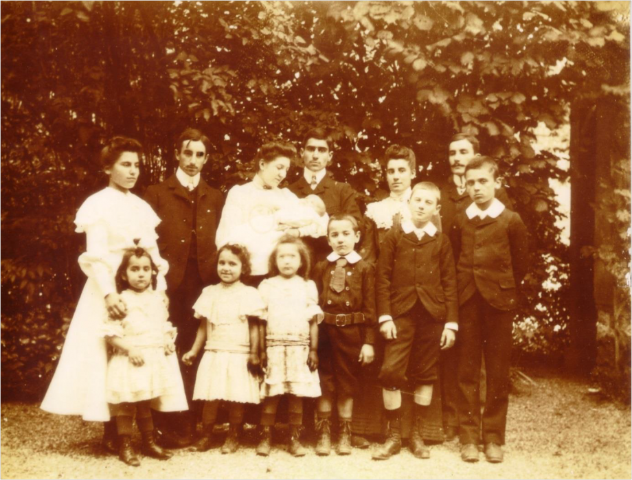 Paul Laurent Image2 Famille en 1903.png