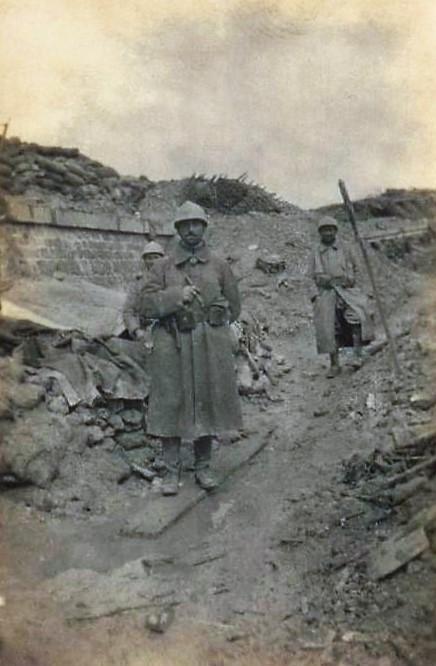 N°4 soldats à R.1 (2) REVU.jpg