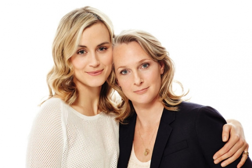 Taylor-Schilling-L-and-Piper-Kerman-R-by-Brian-Bowen-Smith-for-Netflix.jpg