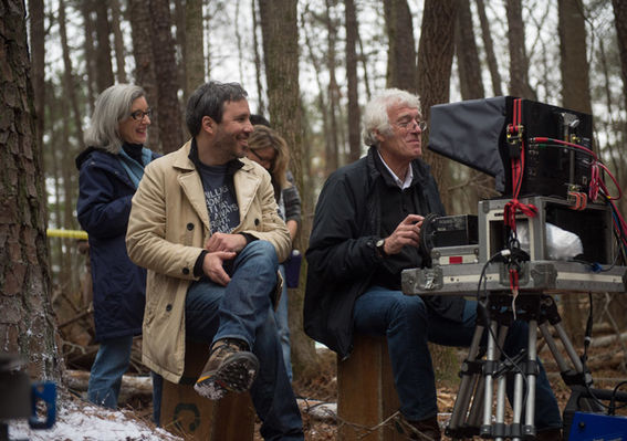 prisoners-director-denis-villeneuve-and-cinematographer-roger-deakins-on-set-3.jpg