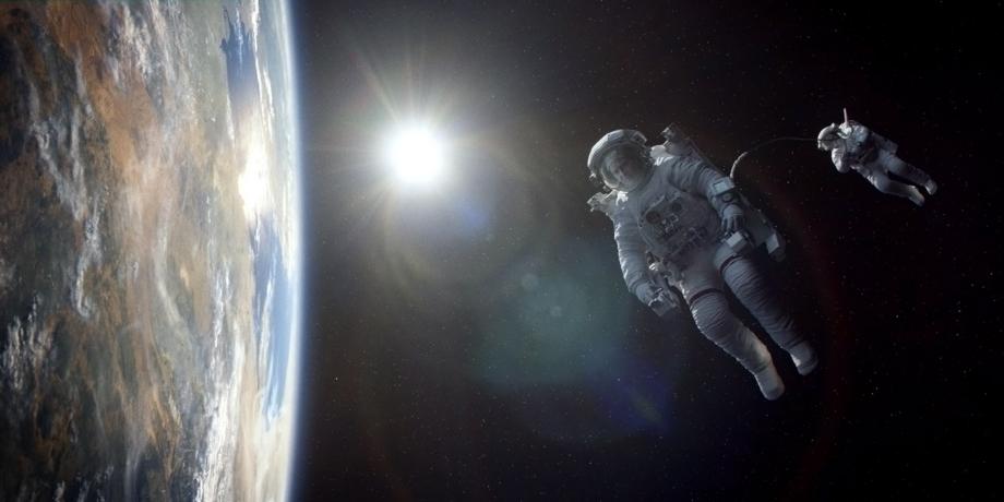 z-gravity-film-2000.jpg