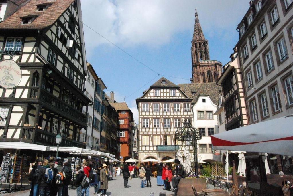 Patrimoine culturel strasbourg capitale de l 39 europe club de r flexion noctua et bubo - Salon de la gastronomie strasbourg ...