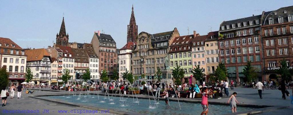 Strasbourg travers les si cles club de r flexion noctua et bubo culture monde sciences for Piscine strasbourg