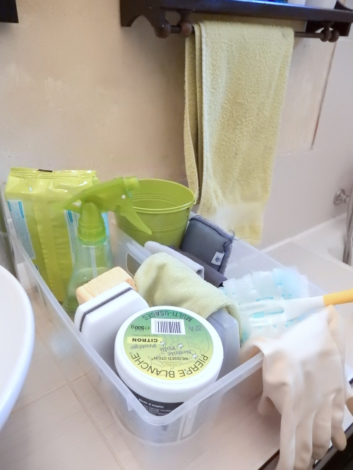 organisation ménage: se créer un caddy de nettoyage www.mon-carnet-deco.com 1