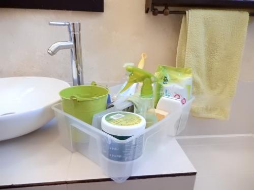 organisation ménage: se creer un caddy de nettoyage