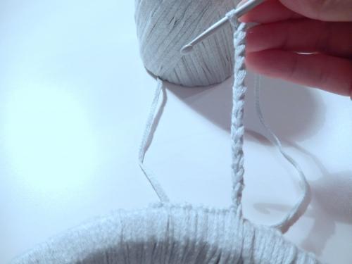 Faire une petite chainette au crochet