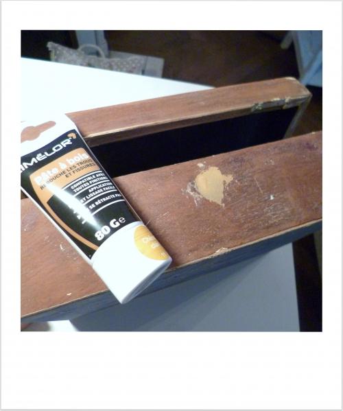 de la pâte à bois pour customiser une boite
