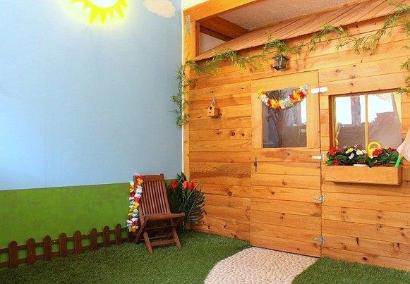 une salle de jeu cabane enfant diy par kid story