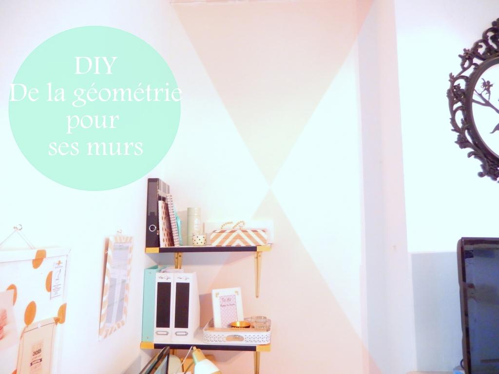 Diy peindre des triangles sur un mur mon carnet d co for Dessin sur mur peinture