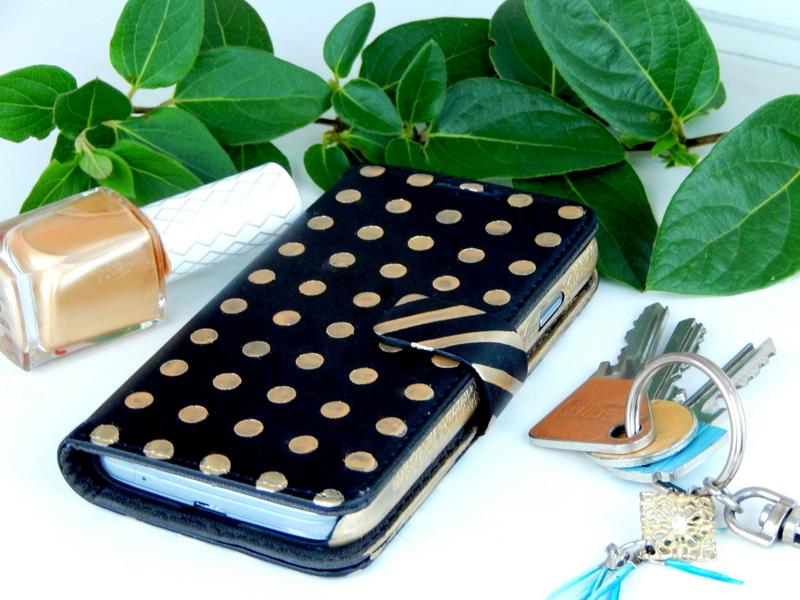 diy cutomiser une coque de t l phone portable mon carnet d co diy organisation id es. Black Bedroom Furniture Sets. Home Design Ideas