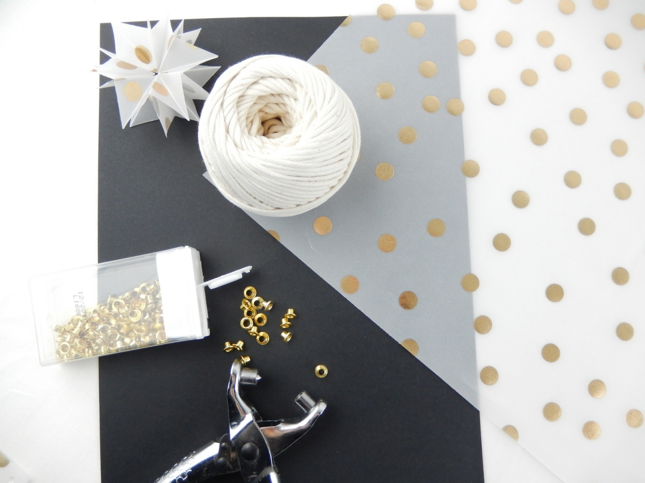 Diy un cadre d co de no l tuto origami inside mon for Decoration de noel origami