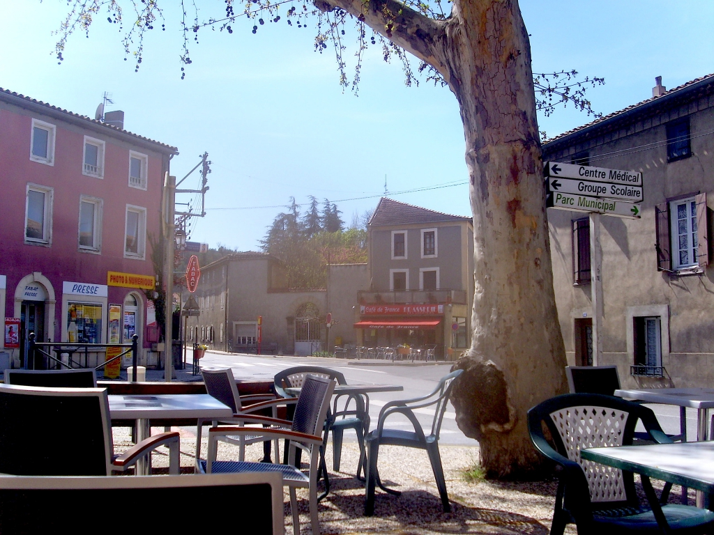Couiza at the foot of the hill rennes le ch teau and rennes les bains - Cafe des bains rennes ...