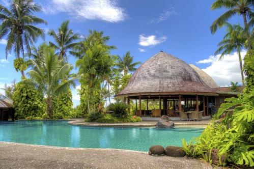 paysage palmier maison avec piscine