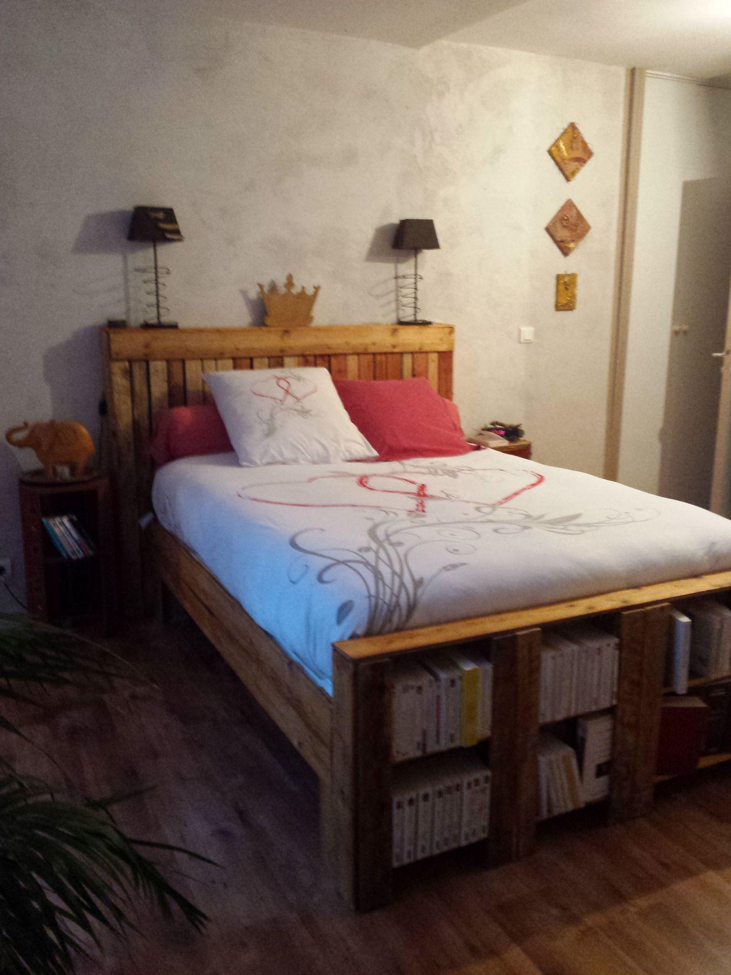 avec des palettes ou des planches cabane peinture. Black Bedroom Furniture Sets. Home Design Ideas
