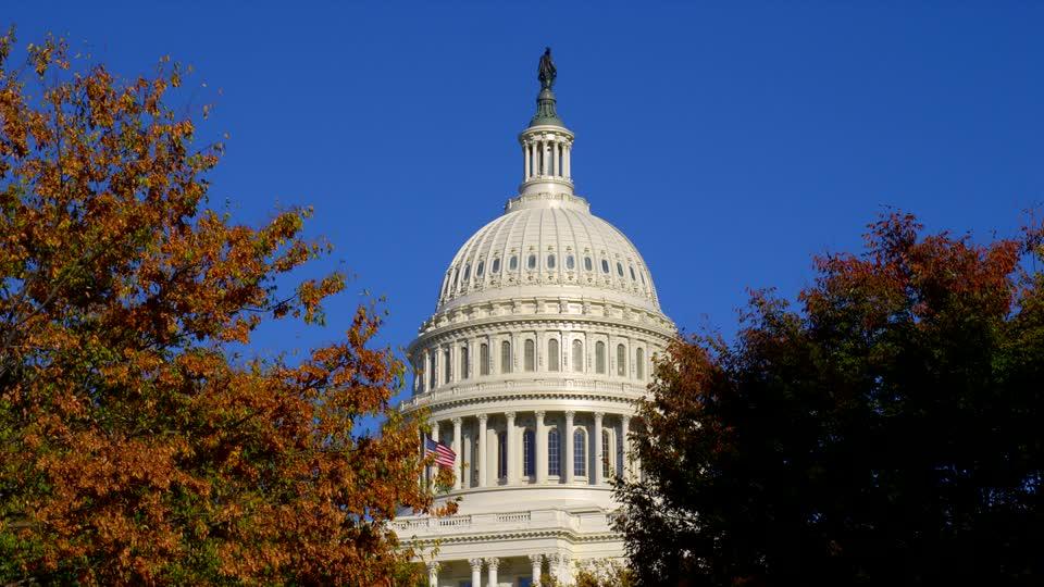 http://static.blog4ever.com/2015/04/800348/448577892-congres-des-etats-unis-capitol-hill-capitole-washington-quartier-du-gouvernement--1-.jpg