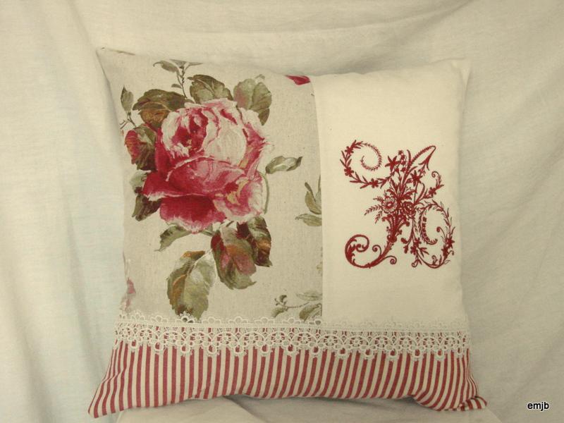 Housse de coussin roses anciennes a coussin toile de - Housse de couette toile de jouy rouge ...