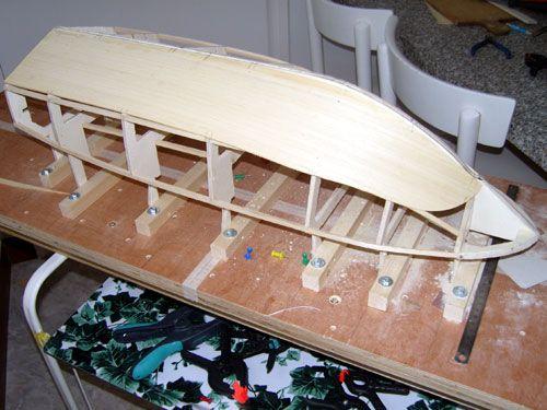 Pose des planches de fond de coque