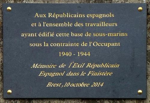 Plaque commémorative -Base Navale de Brest.jpg
