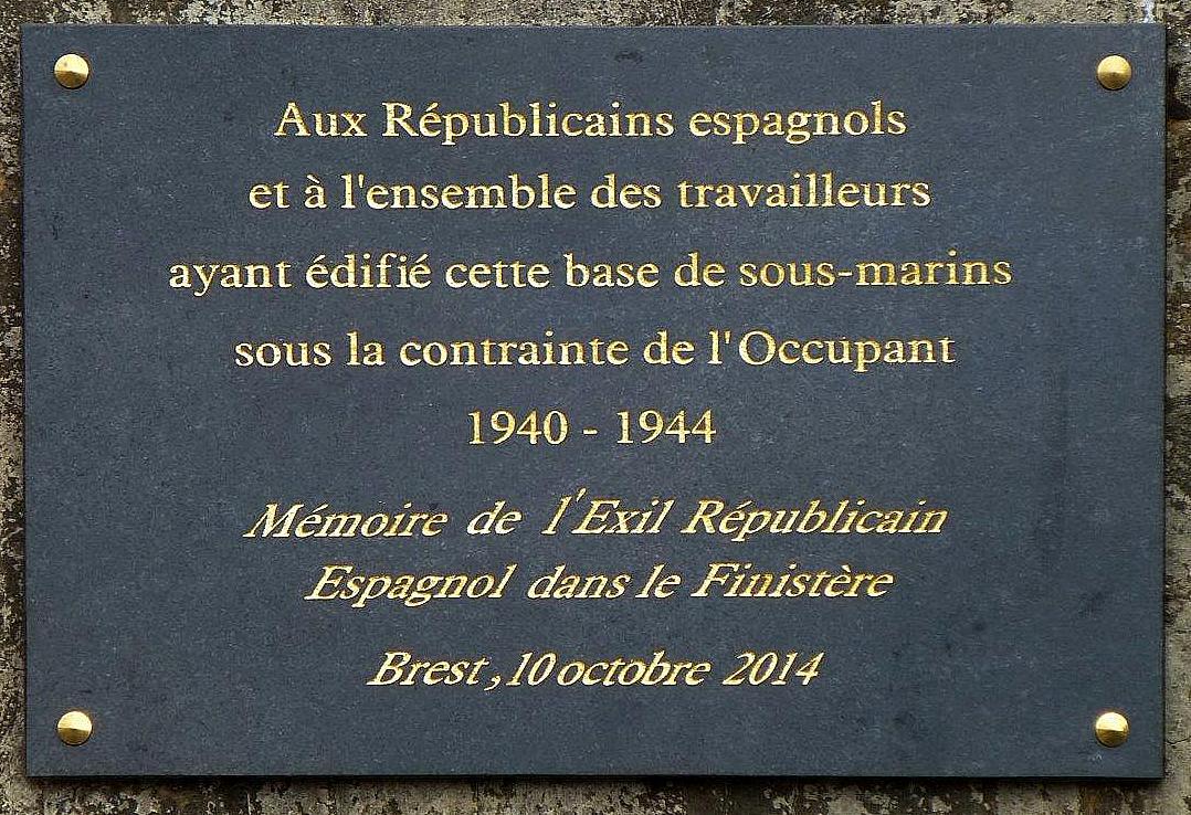 Plaque commémorative -Base Navale de Brest-001.jpg