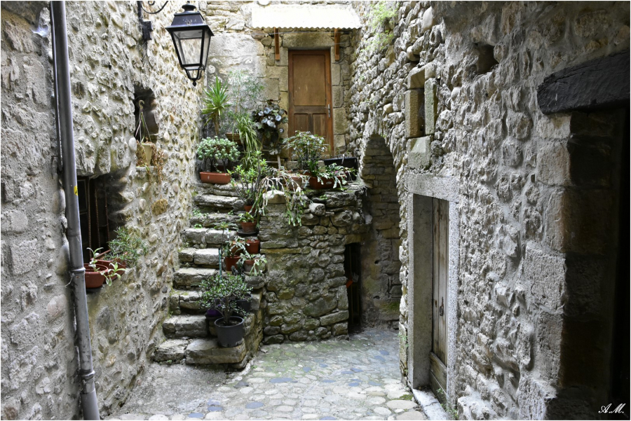 Village de Lanas