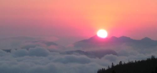 lever de soleil sur le Pierre-St-Martin